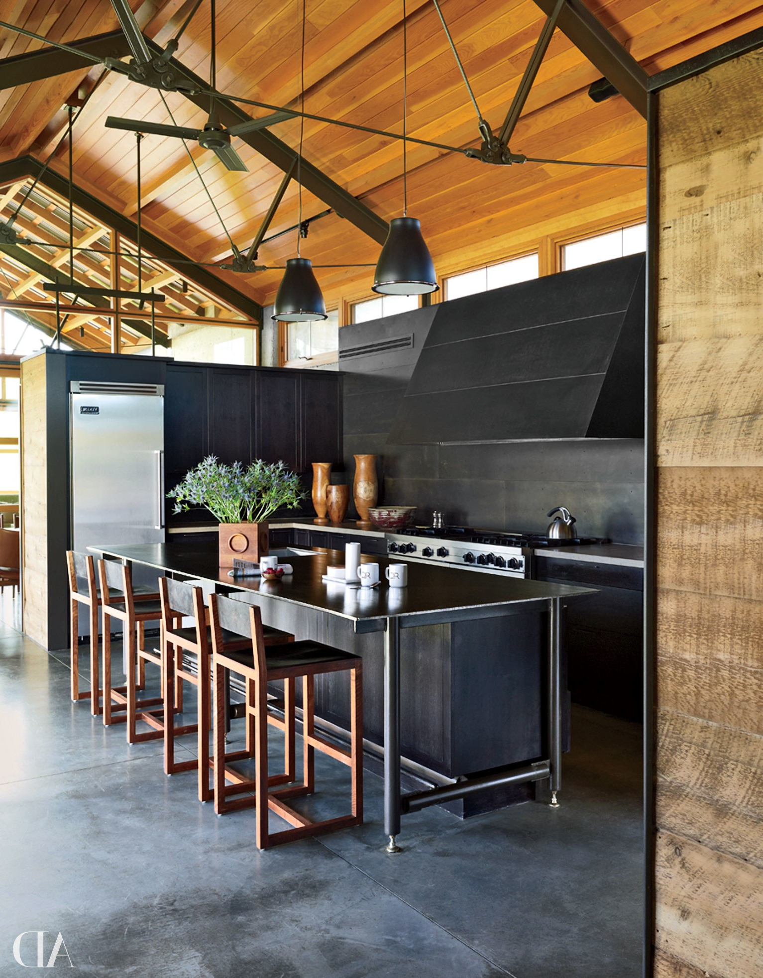Popular Black Top Large Dining Tables With Metal Base Copper Finish Throughout 25 Black Countertops To Inspire Your Kitchen Renovation (View 27 of 30)