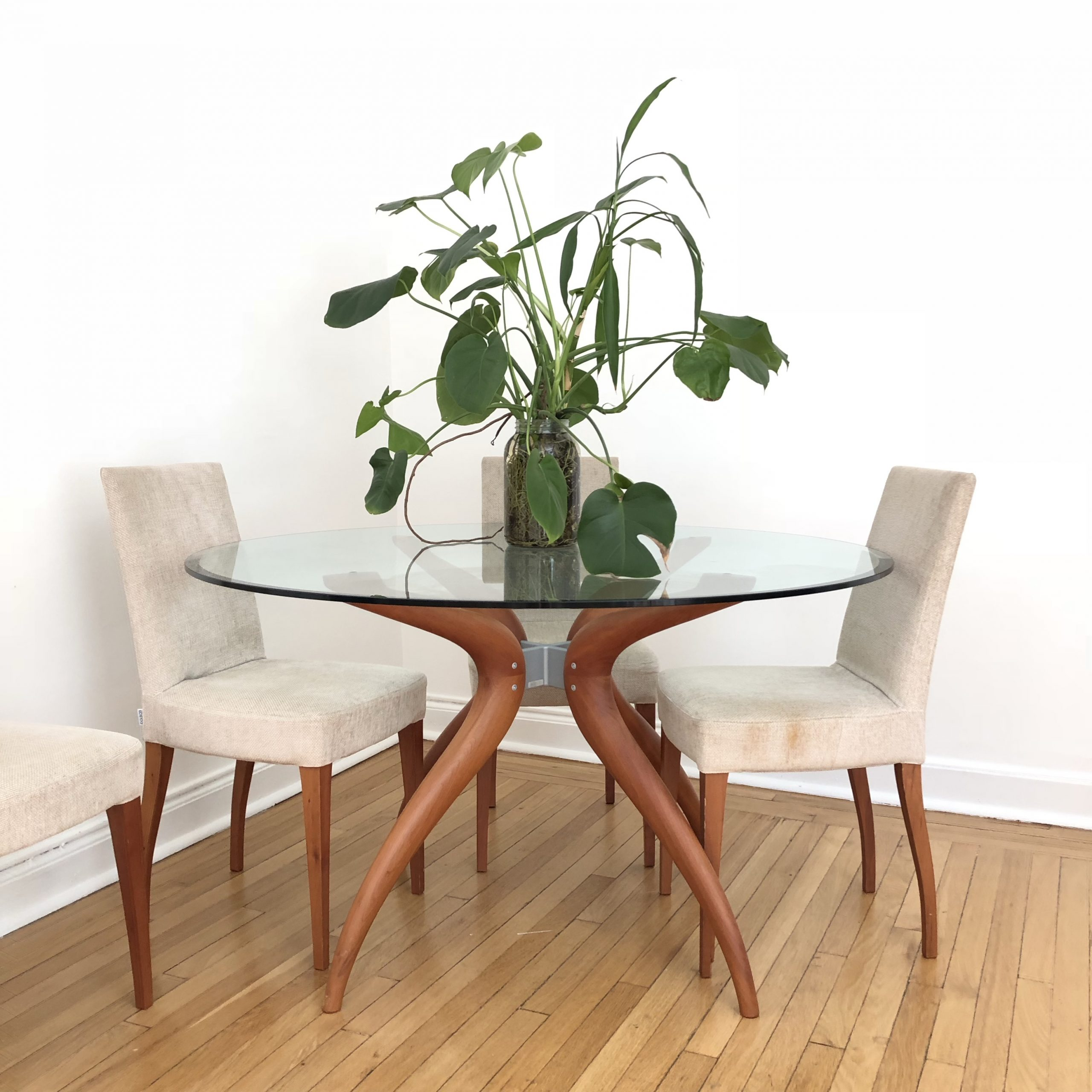 Porada Retro Round Glass Top Wooden Legs Dining – Depop For Recent Retro Round Glasstop Dining Tables (View 2 of 30)