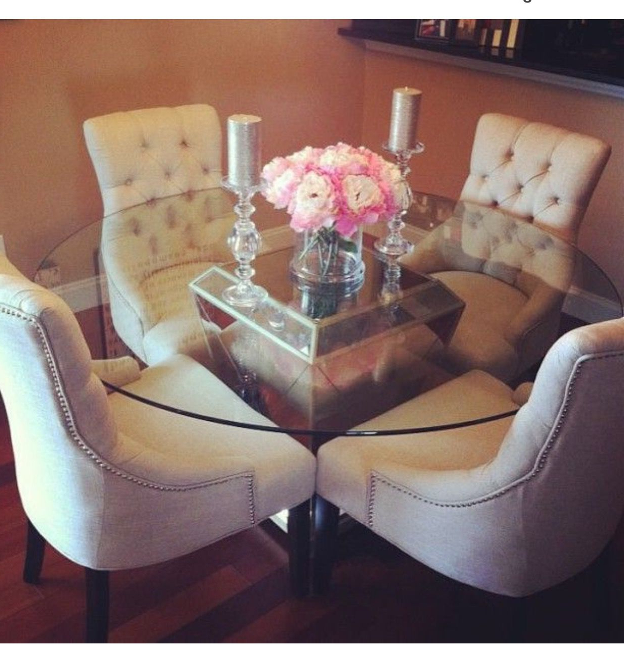 Preferred Small And Elegant Dining Area (View 2 of 30)