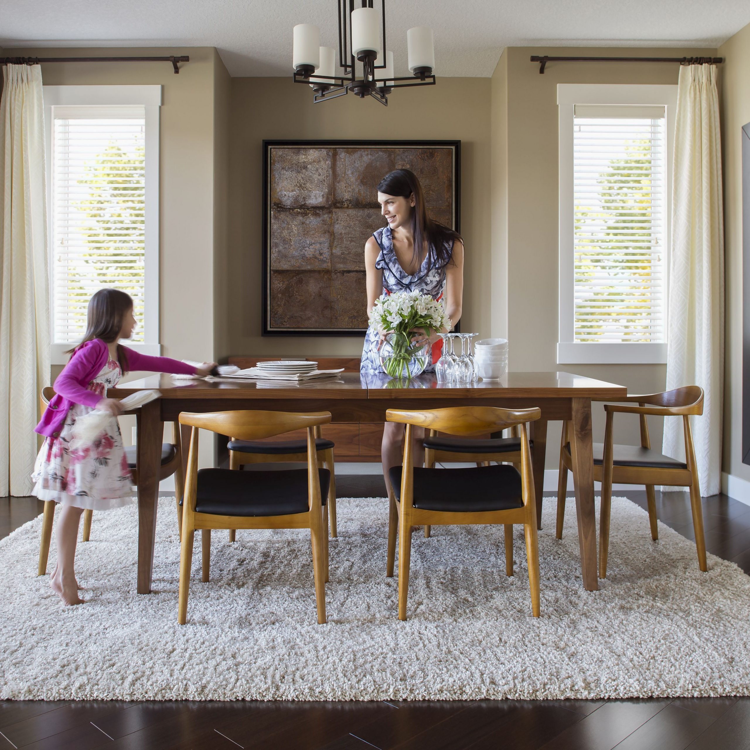 Recent How To Choose Chairs For Your Dining Table Throughout Transitional 6 Seating Casual Dining Tables (View 12 of 30)