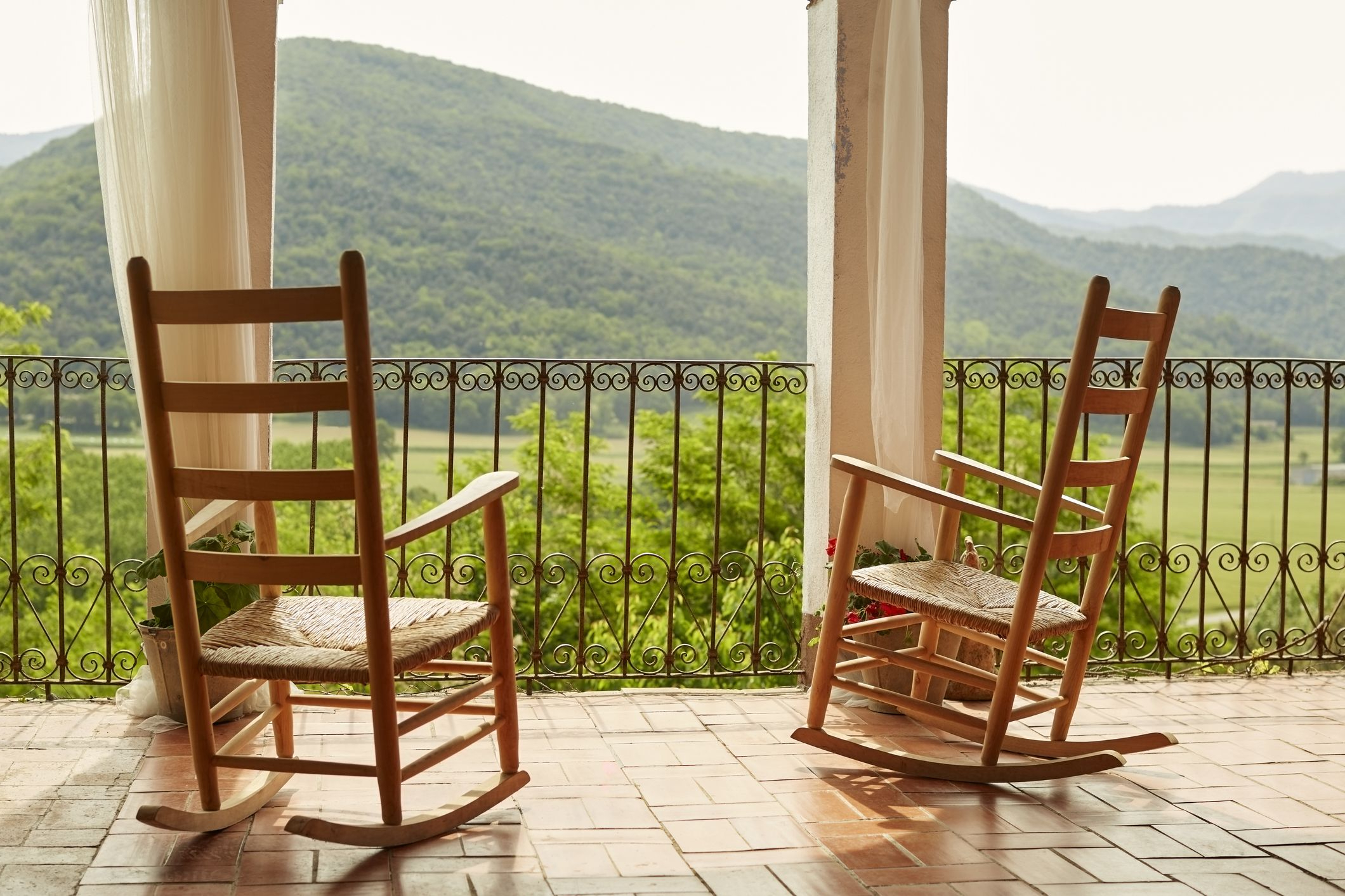 The 7 Best Rocking Chairs Of 2020 With Regard To Fashionable Rocking Love Seats Glider Swing Benches With Sturdy Frame (View 28 of 30)