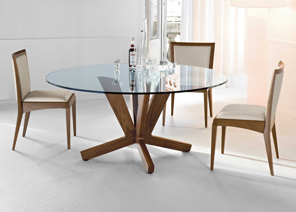 Tricks To Take Into Account The Small Round Kitchen Table Regarding Widely Used 4 Seater Round Wooden Dining Tables With Chrome Legs (View 10 of 30)