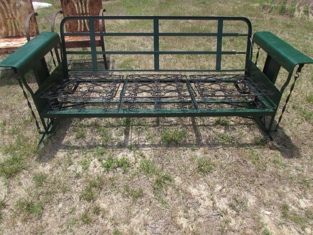 Widely Used Metal Vintage Cushioned Porch Gliders,old Metal Gliders Regarding Metal Retro Glider Benches (View 30 of 30)