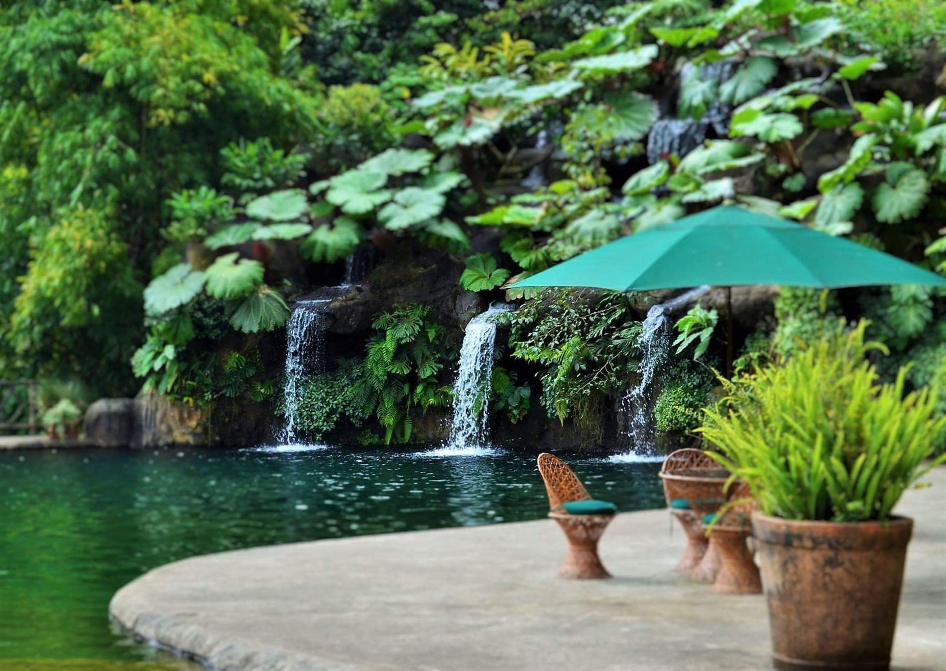 Bonville Ceramic Garden Stools Pertaining To Best And Newest Https://gurushots/photo/ 2018 02 21t08:42:02+00: (View 28 of 30)