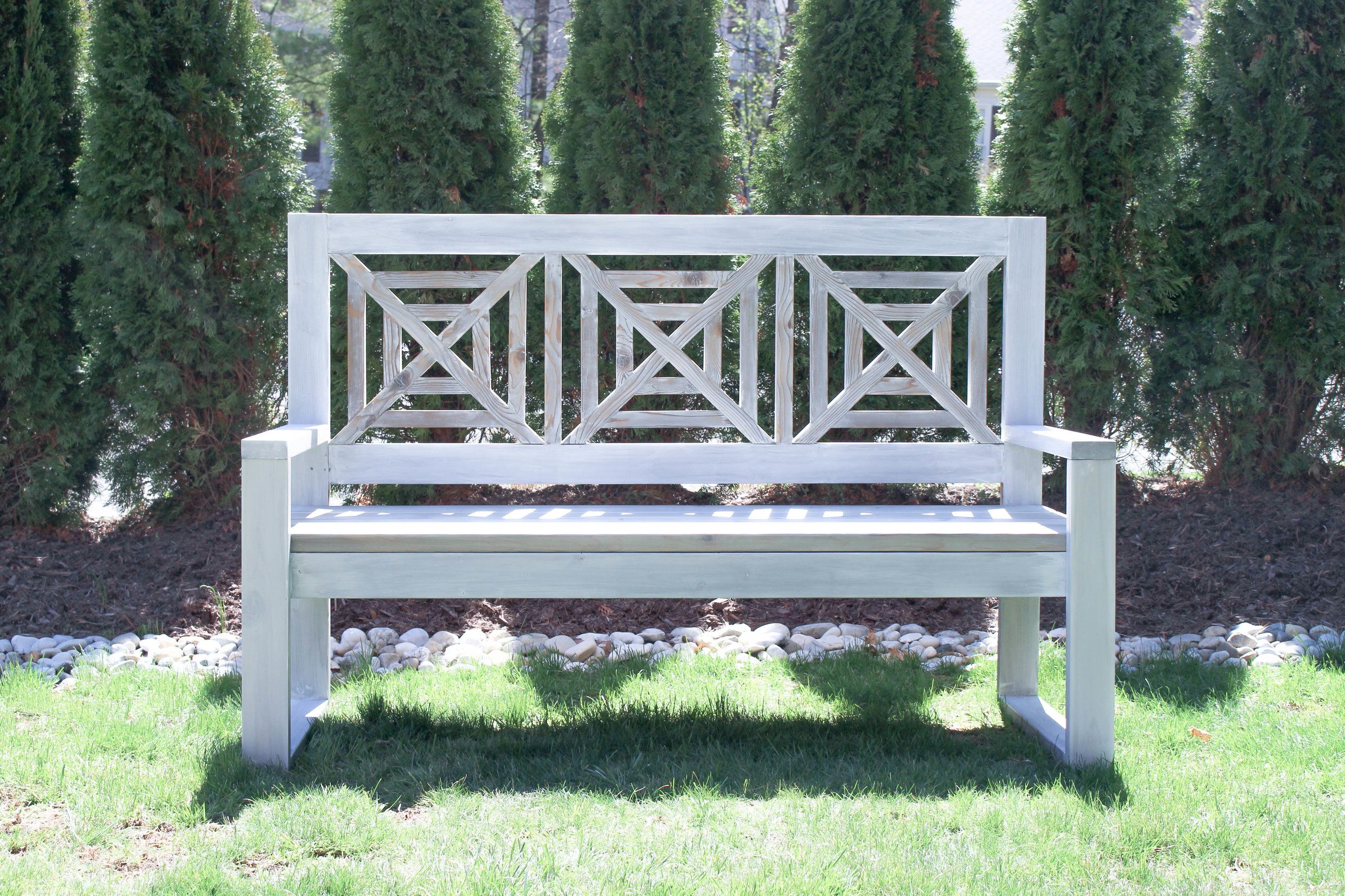 Diy Outdoor Modern Chippendale Bench (View 9 of 30)