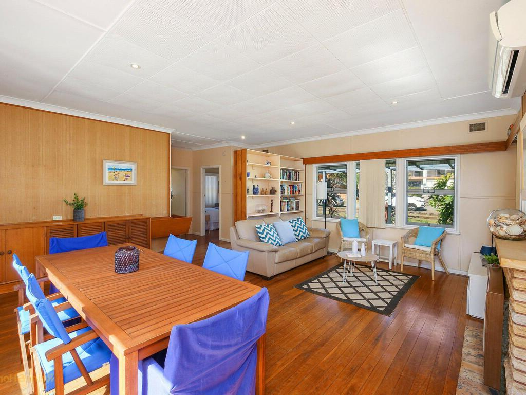 Most Recent Seashells At North Avoca – 10 View Street, Holiday Home In Avoca Wood Garden Benches (View 25 of 30)