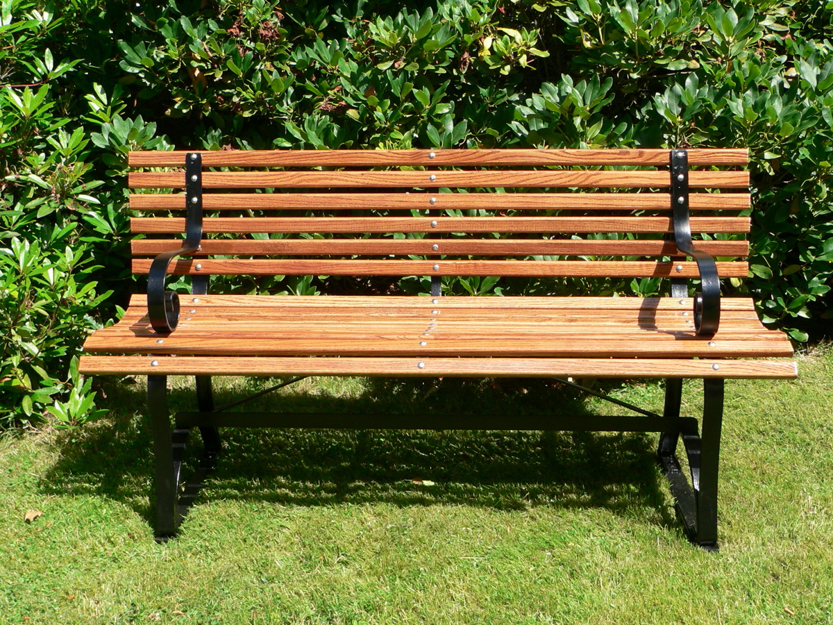 Newest Pauls Steel Garden Benches In Bench (furniture) – Wikipedia (View 9 of 30)
