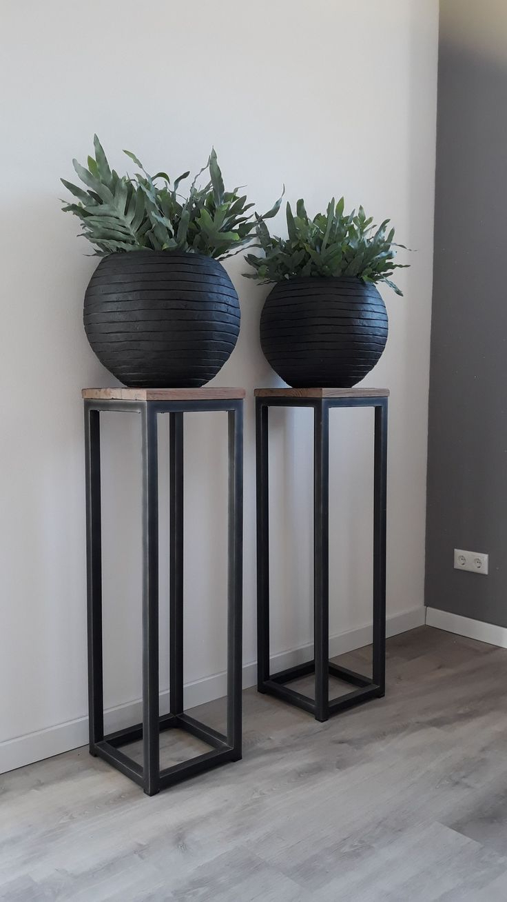 Popular Svendsen Ceramic Garden Stools For 200+ Garden Ideas In (View 28 of 30)