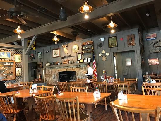 Fashionable Cracker Barrel, Kissimmee – Comentários De Restaurantes In Danny Barrel Chairs (set Of 2) (View 22 of 30)