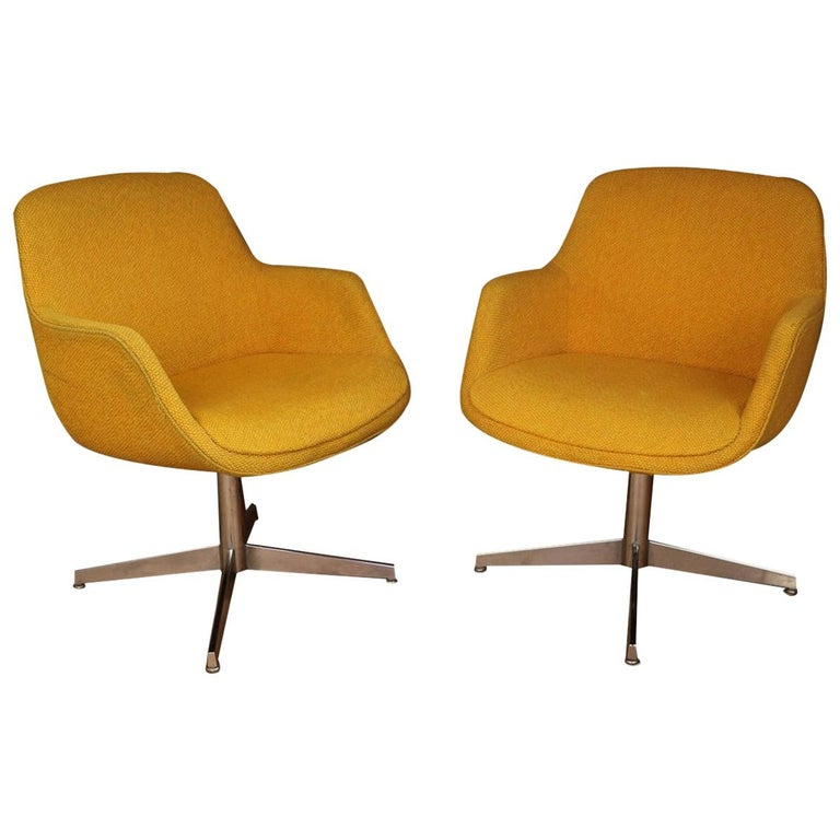 Molinari Swivel Barrel Chairs With Regard To 2019 Yellow Gold Pair Of Midcentury Swivel Barrel Chairs (View 26 of 30)