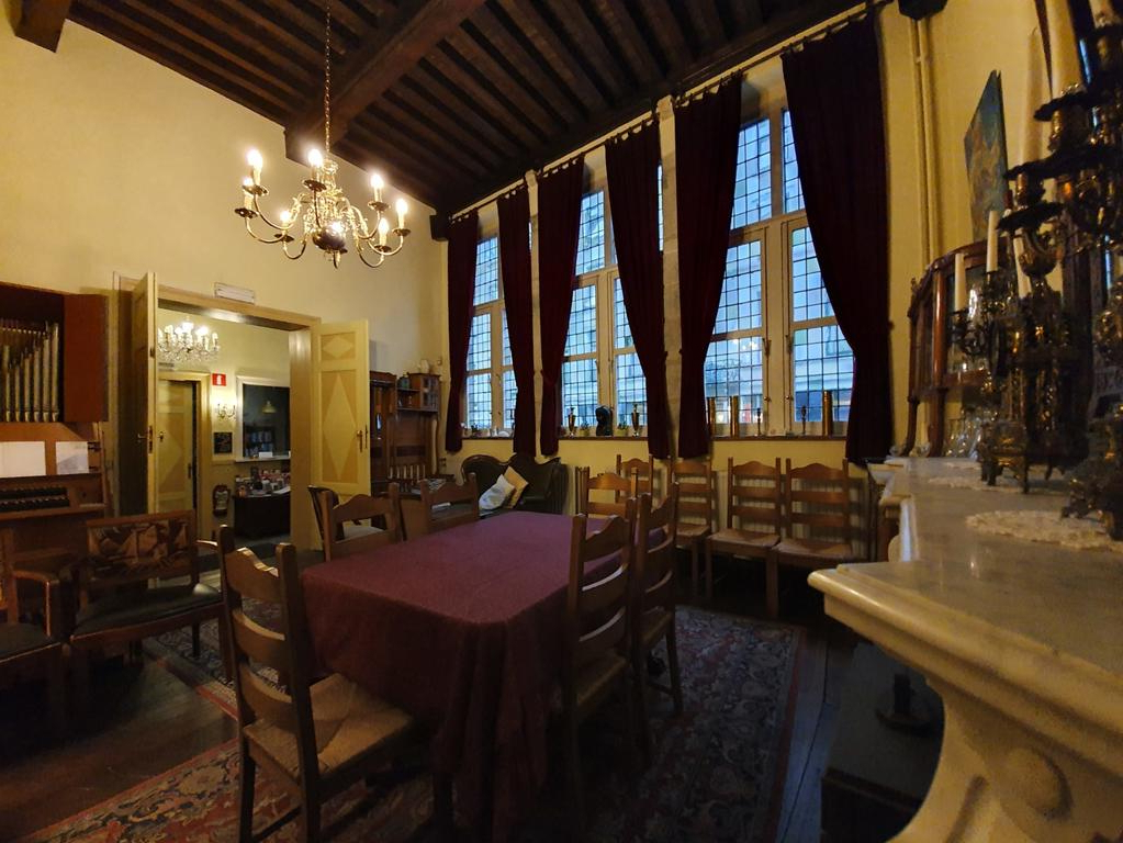 Most Recent Erasmus Hotel (bélgica Gent) – Booking For Erasmus Side Chairs (View 25 of 30)