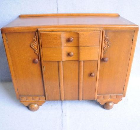 An Art Deco English Oak Sideboard (View 25 of 30)