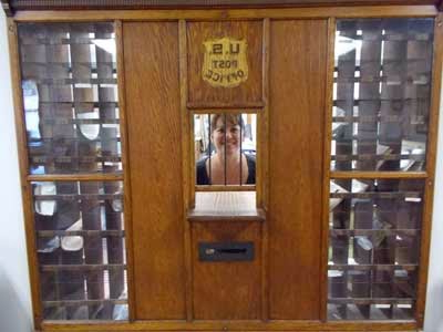 Popular Mclane Drawer Servers Inside George Washington Ordner (View 2 of 10)