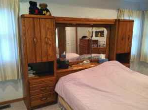 Most Recently Released Queen Bed Wall Unit: Mirrored Headboard & Dresser Combo Inside Lucas Extra Wide Tv Unit Grey Stands (View 2 of 10)